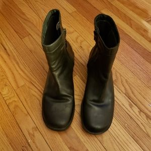 Gently Used Clark's Short Black Boots with Buckle